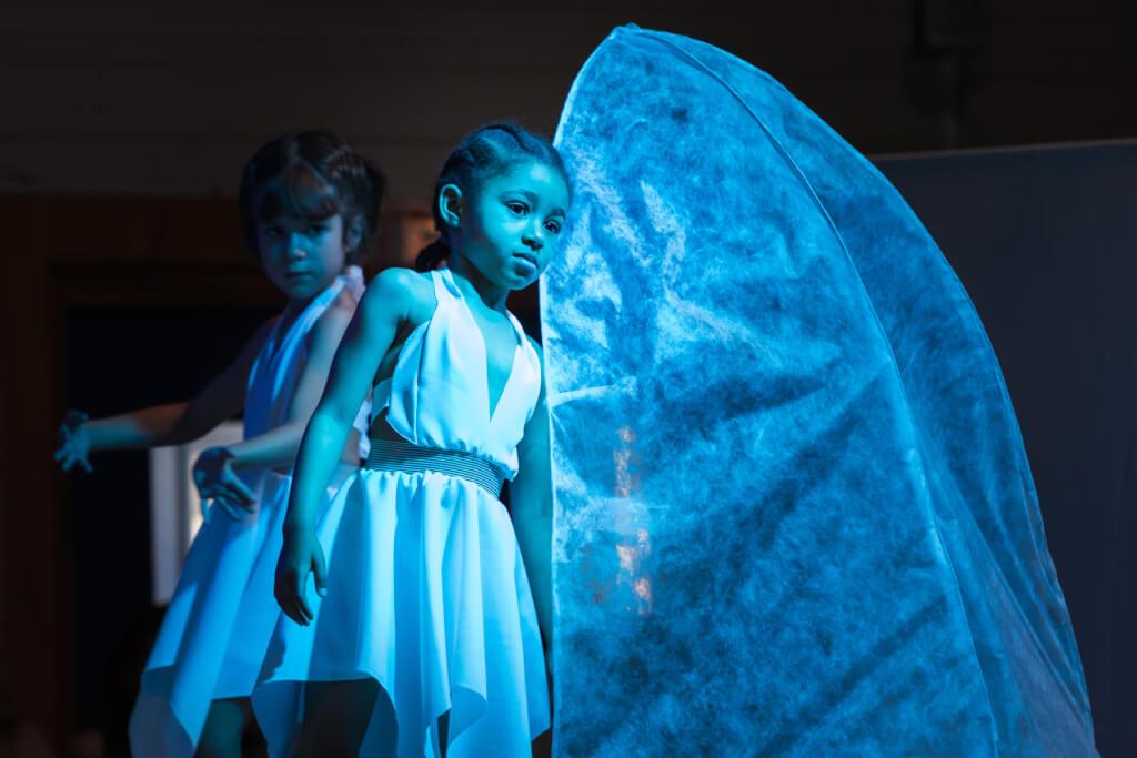 03_La_naissance_danse_Eveil_01 Crédit photo: Olivier LAURENT www.olivierlaurentphotos.fr